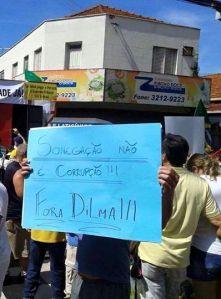 Fonte: Página Facebook - Humans of Protesto